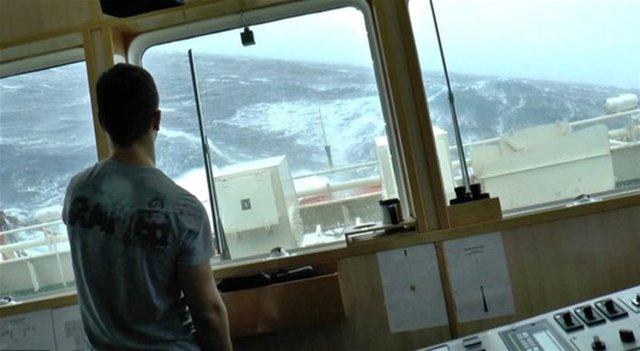 Elbette dünyanın en zor işlerinden birisidir denizci olmak.  Bu görüntüler bir film karesi değil...