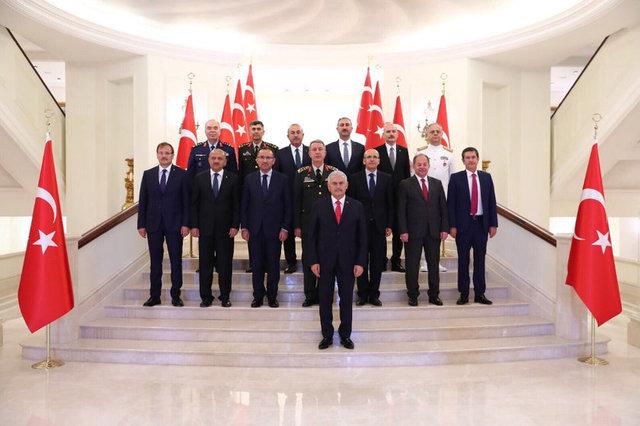 Yüksek Askeri Şura, Başbakan Binali Yıldırım başkanlığında Çankaya Köşkü'nde toplandı.