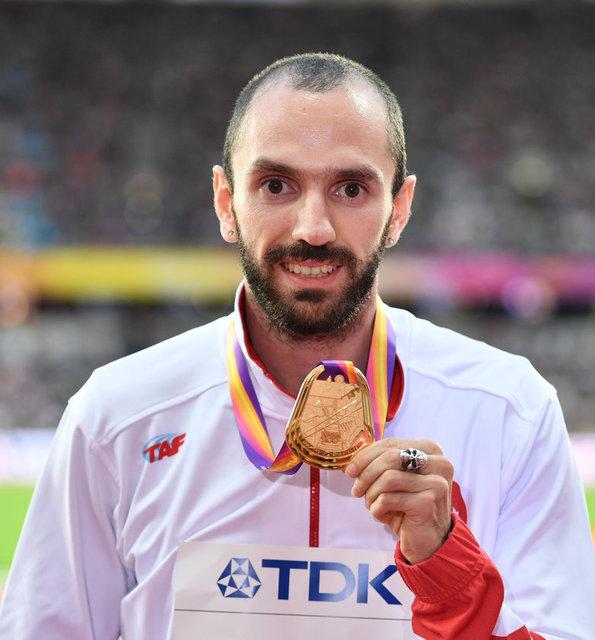 İngiltere'nin başkenti Londra'da düzenlenen Dünya Atletizm Şampiyonası'nda Ramil Guliyev fırtınası esti!