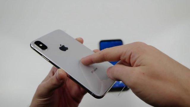 Youtube'da 5 milyondan fazla abonesi olan TechRax kanalı, piyasaya yeni çıkan iPhone X ve Samsung S8'i ilginç bir dayanıklılık testine tabi tuttu.