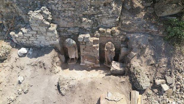 Side'de Roma Dönemi'ne ait heykeller bulundu