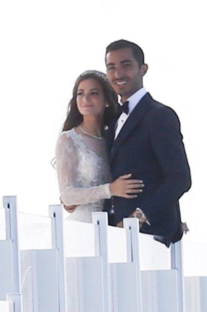 """ABD'nin New York kentinde """"emlak kralı"""" olarak bilinen Jeff Sutton, kızı Renee'nin düğünü için 25 milyon doları gözden çıkararak servet sayılabilecek bir harcama yaptı."""
