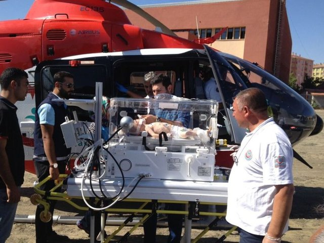 15 aylık Muhammet Hüseyin Şimşek, Çorum'dan Konya'daki hastaneye ambulans helikopterle taşındı.