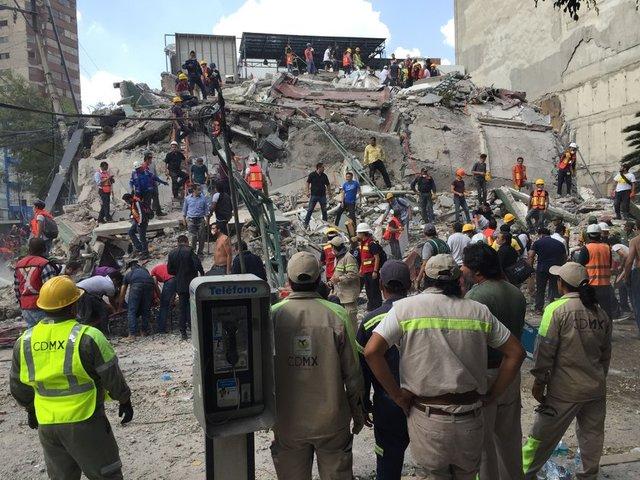 Meksika'da 7,1 büyüklüğünde deprem meydana geldi. Resmi makamlarca yapılan açıklamalarda ölü sayısı yüzlerle ifade ediliyor.