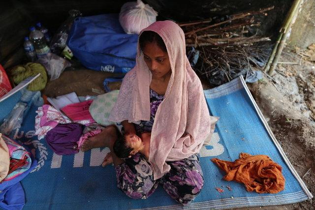 Myanmar yönetiminin katliamından kaçıp Bangladeş'e sığınan ve sınırdaki kamplara yerleştirilen Arakanlı Müslümanların dramına Habertürk muhabiri Sinan Bilgenoğlu tanıklık etti.
