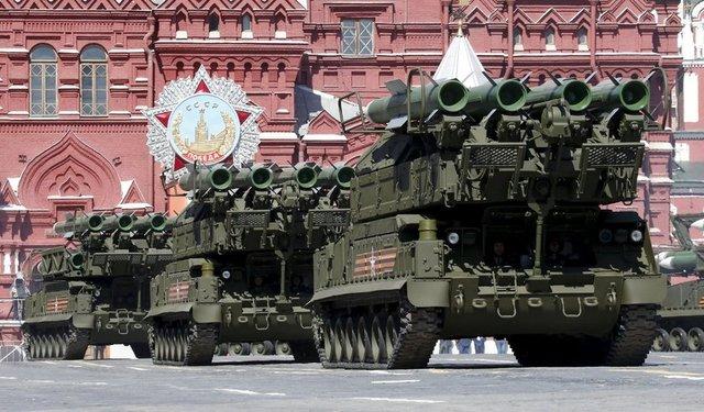 İngiliz medyası, Rusya'nın geliştirmekte olduğu yeni radyoelektronik silahın 'nükleer bombadan daha güçlü' ve orduları etkisiz hale getirme yeteneğine sahip olacağını ileri yazdı.