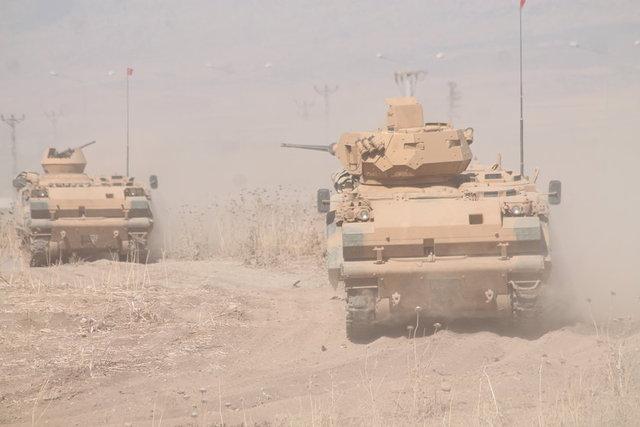 Türk Silahlı Kuvvetlerince (TSK), Şırnak'ın Silopi ilçesindeki Habur Sınır Kapısı yakınlarında 18 Eylül'de başlatılan tatbikat, Iraklı askerlerin katılımıyla devam ediyor.