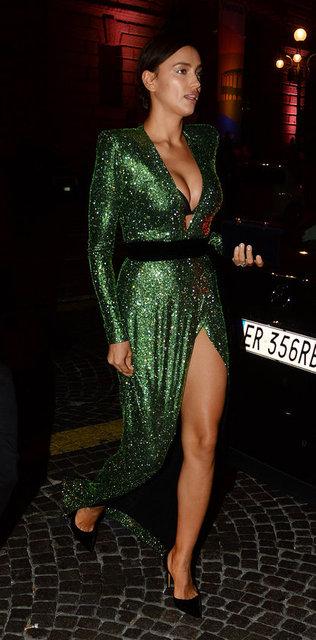 Bir süre önce ünlü oyuncu Bradley Cooper ile olan ilişkisinden bir kız bebek sahibi olan model Irina Shayk, tanıtım yüzü olduğu iç giyim firmasının gecesi için İtalya'nın Verona kentindeydi.