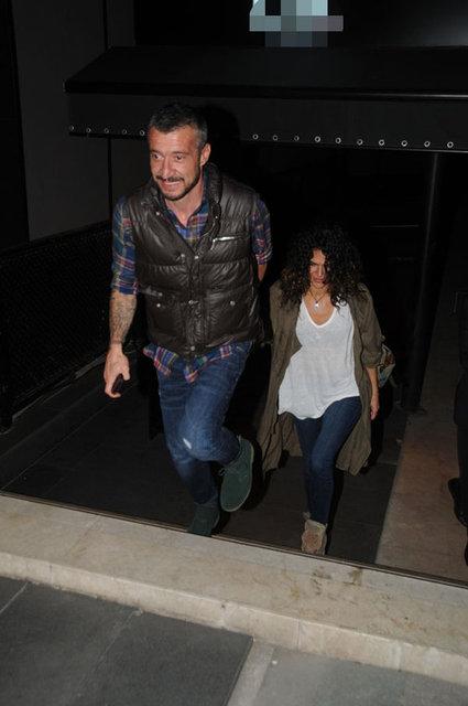10 gün önce barışan oyuncu Gamze Topuz ile eski futbolcu Tümer Metin, önceki akşam Nişantaşı'nda bir mekanda eğlendi.