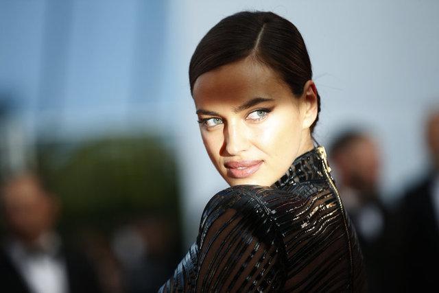 Rus model Irina Shayk, 7 ay önce yaptığı doğum sonrası formuna hızla kavuştu.