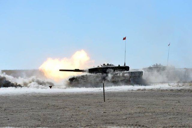 Kara Kuvvetleri Komutanlığı envanterindeki yerli ve milli imkanlarla üretilen silah mühimmat kullanılarak yapılan atışlar, hedeflerin tam isabetle imha edilmesiyle başarıyla tamamlandı.