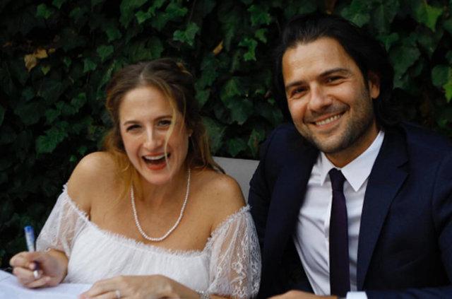 Ünlü oyuncu Canan Ergüder ile meslektaşı Kenan Ece evlendi.