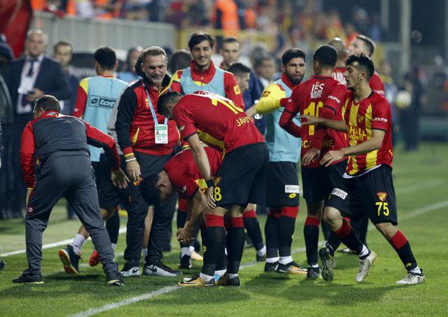 Süper Lig'de 9 hafta geride kalırken kulüpler aldıkları galibiyet ve beraberlik primleriyle kasalarını doldurmaya başladılar.