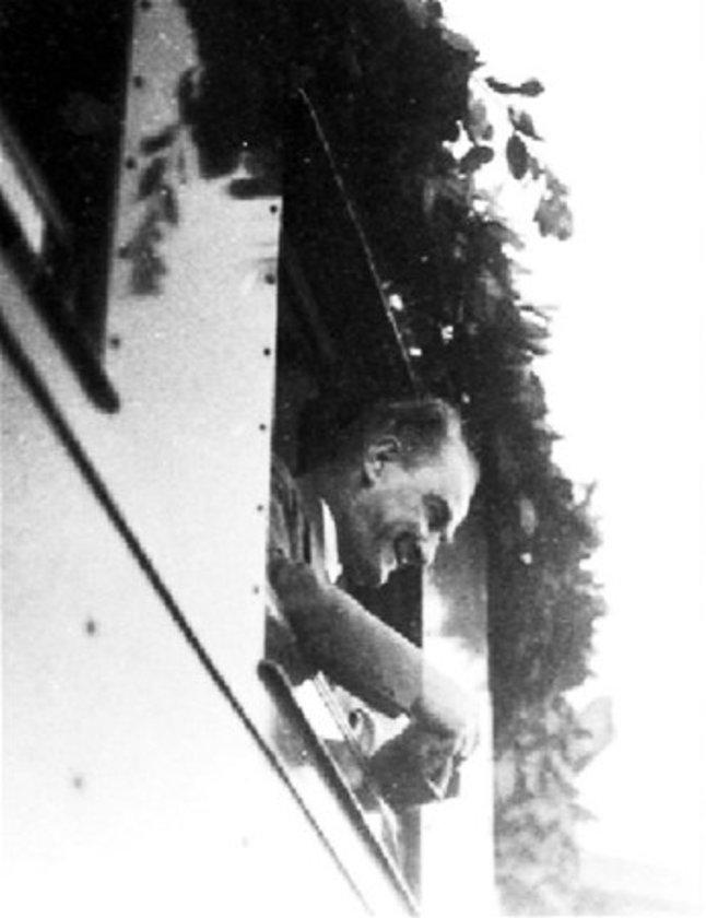 <p>Atatürk, 1934 yılında trenle Eskişehir'e gelirken.</p>
