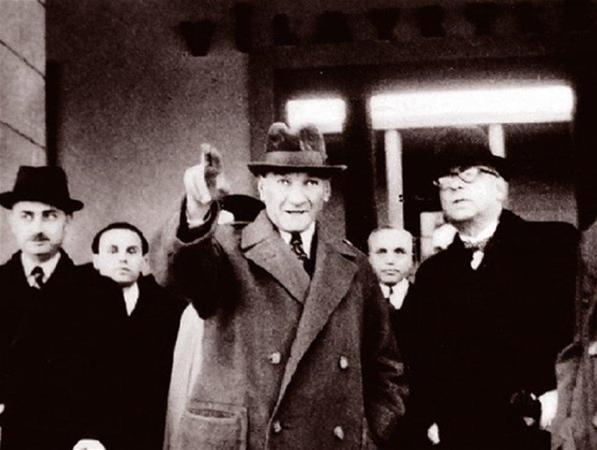 <p>Atatürk'ün 1938 yılında çekilmiş bir fotoğrafı.</p>\n<p></p>