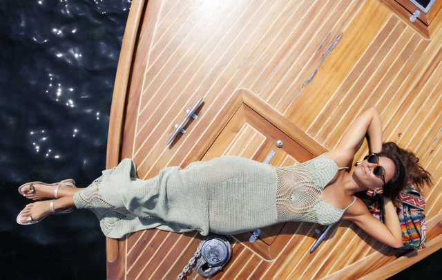 Sosyetik moda ikonu Eda Taşpınar, sosyal medya hesabından takipçileriyle özel hayatını paylaşmayı ihmal etmiyor.