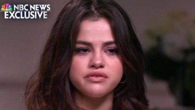 Geçtiğimiz yaz en yakın arkadaşının bağışıyla böbrek nakli olan ve hayata o şekilde tutunan genç yıldız Selena Gomez, yaşadığı zor süreci anlattı.