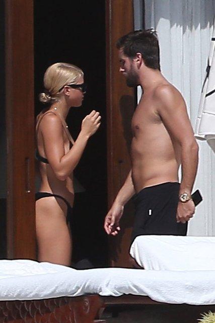 Dailymail'in haberine göre, Kourtney Kardashian'ın eski sevgilisi ve 3 çocuğunun babası Scott Disick ile Sofia Richie, Los Cabos'ta kaçamak yaptı.