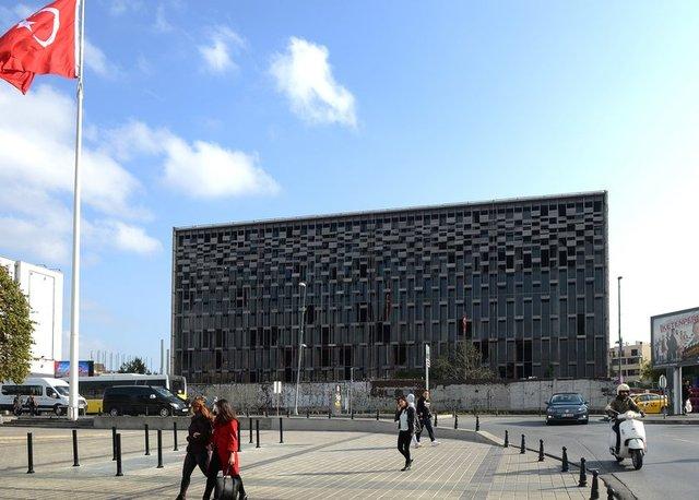 Atatürk Kültür Merkezi'nin (AKM) içinin yıkılmadan önceki son hali İHA tarafından görüntülendi.