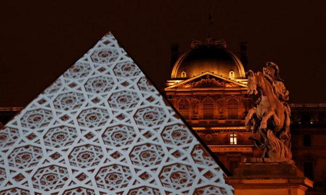 Louvre için Abu Dhabi yönetimi 525 milyon dolar isim hakkı, ödünç eserlerin güvenliği için de 750 milyon dolar olmak üzere toplam 1.2 milyar dolar ödeyecek