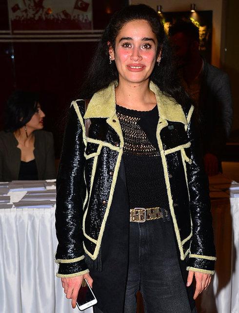 'Hayat Devam Ediyor' dizisiyle tanınan Meltem Miraloğlu, geçtiğimiz yaz evlendiği yönetmen Tayfur Aydın'la boşandığını söyledi.