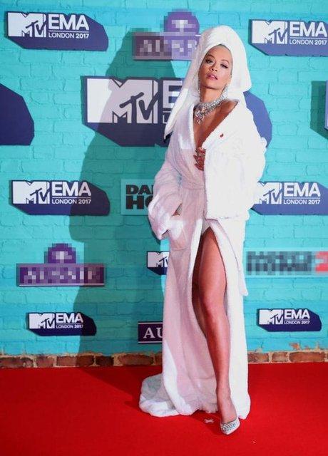 Dünyanın önemli müzik ödüllerinden biri daha sahiplerini buldu. MTV Avrupa Müzik Ödül Töreni Londra'da Wembley SSE Arena'da gerçekleşti. Konukların kırmızı halıda hem şıklık hem de ilginçlik yarışı yaptığı törene damgasını vuran kişi ise Rita Ora oldu.