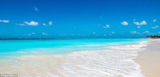 1. Grace Bay, Turks and Caicos, Birleşik Krallık