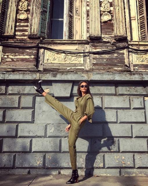 Sosyetik güzel Eda Taşpınar, paylaştığı fotoğraf ile sosyal medyayı salladı.