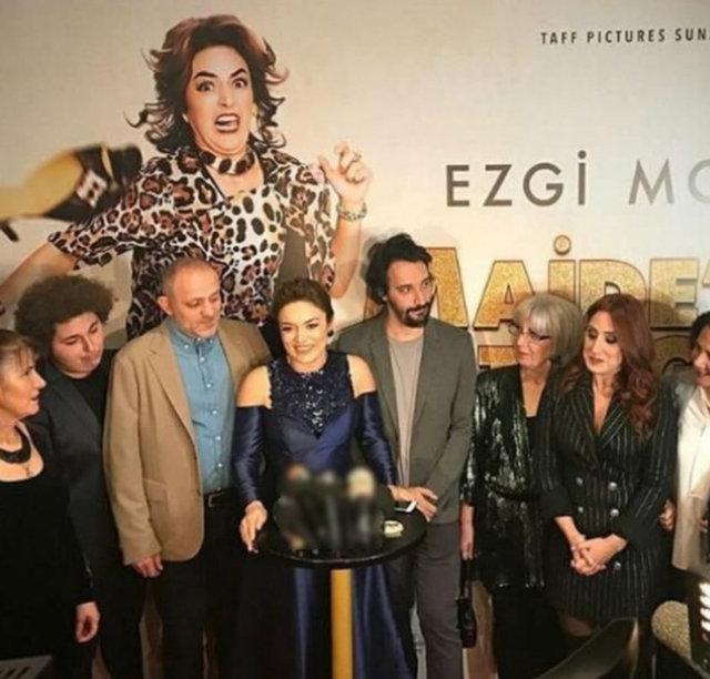 Posta'nın haberine göre, başrolünü Ezgi Mola'nın üstlendiği 'Maide'nin Altın Günü' filminin galası dün akşam yapıldı.