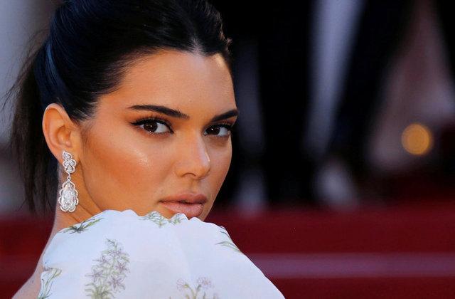Posta Gazetesi'nde yer alan habere göre; 22 yaşındaki ABD'li model Kendall Jenner, artık şov yıldızı ailesinden bağımsız olarak hareket edeceğini açıkladı.