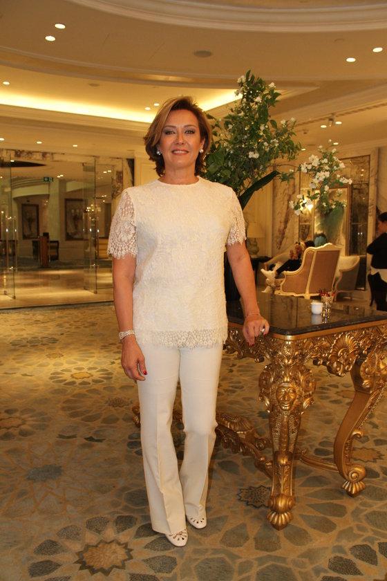 <p><strong>Revna Demir&ouml;ren: </strong>'Yeni yıl herkese sağlıklı, mutlu ve huzurlu olsun.'</p>