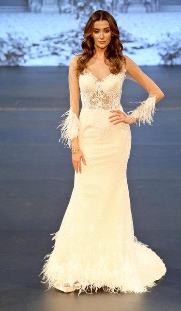Özge Ulusoy, Panama'da düzenlenen Miss Universe yarışması sırasında çekilmiş bir fotoğrafını takipçileriyle paylaştı.