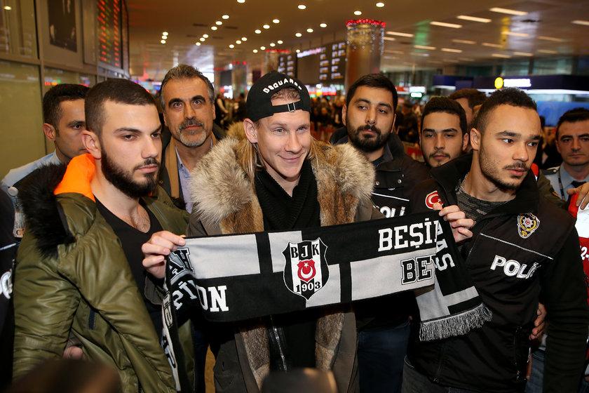 Beşiktaşın yeni transferi Vida İstanbula geldi 97
