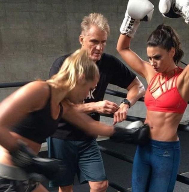 Aksiyon yıldızı Jean Claude Van Damme'ın 27 yaşındaki kızı Bianca Brigitte de babasının izinden gidiyor.