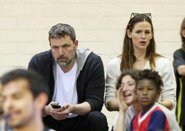 HT Magazin'de yer alan habere göre, ikili bu sefer oğulları Samuel'in basketbol maçını seyretmek için Los Angeles'taki Brentwood'da buluştu.