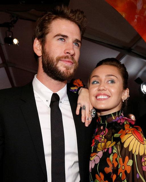 HT Magazin'de yer alan habere göre, tatil için Avustralya'ya giden Miley Cyrus ve nişanlısı Liam Hemsworth, Liam'ın kendisi gibi aktör olan abisinin 4.2 milyon dolarlık evinde kalıyor.