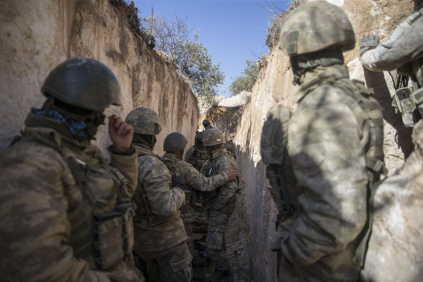 <p>Zeytin Dalı Harekatı'nda Afrin'in kuzeydoğusundaki stratejik Burseya Dağı, PYD/PKK'dan ele geçirildi.</p>