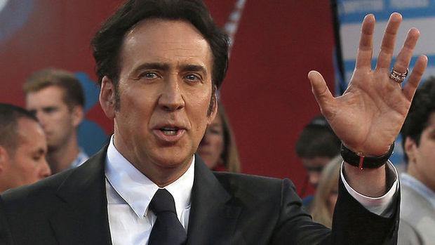 Savurganlığı Nicolas Cage'in başına iş açtı! Dinozor bile almış…