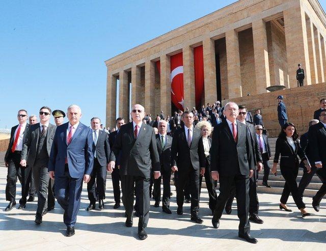23 Nisan Ulusal Egemenlik ve Çocuk Bayramı ülke genelinde etkinliklerle kutlanıyor.