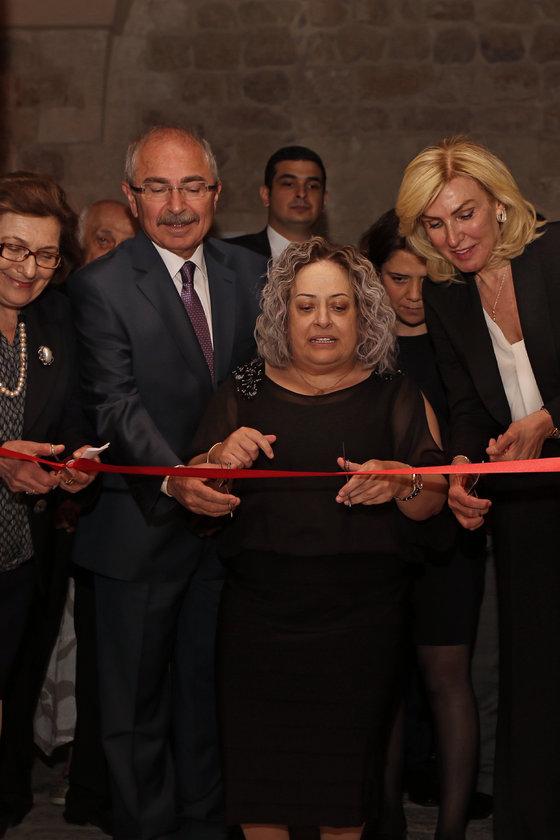 <p>MUSTAFA YAMAN, DİLEK SABANCI, ZERRİN KOYUNSAĞAN</p>