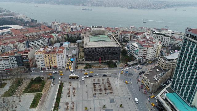 İstanbul Taksim Meydanı'ndaki Atatürk Kültür Merkezi'nin (AKM) yıkım işlemleri tamamlandı. İşte 13 Şubat'ta yıkımına başlanan AKM'nin tüm fotoğrafları