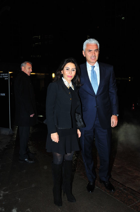 <p>SUZAN SABANCI - HALUK DİN&Ccedil;ER</p>