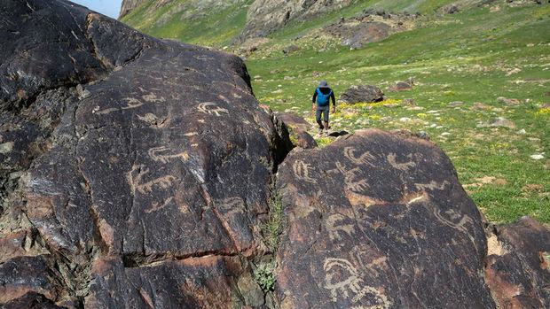 Cilo'da merak uyandıran kaya resimleri