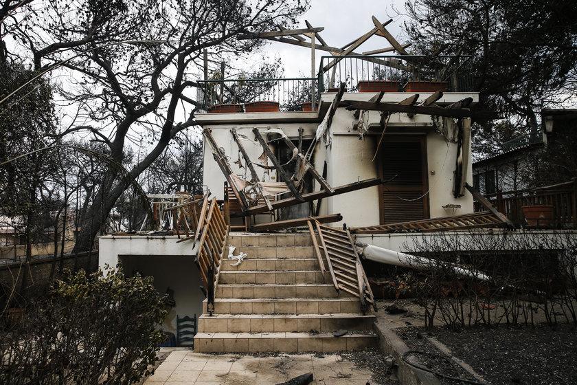 <p>Komşu'da yaşanan felakette en az 81 kişinin hayatının kaybettiği açıklanırken, ölü sayısının artmasından endişe ediliyor. 187 kişinin yaralandığı yangında yaralananlardan 11'inin durumunun kritik olduğu belirtildi. 150 kişinin ise kayıp olduğu iddia ediliyor.</p>