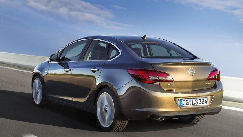 <p>2016 Opel Astra 1.6 Edition Plus - <strong>82.800 TL</strong></p>