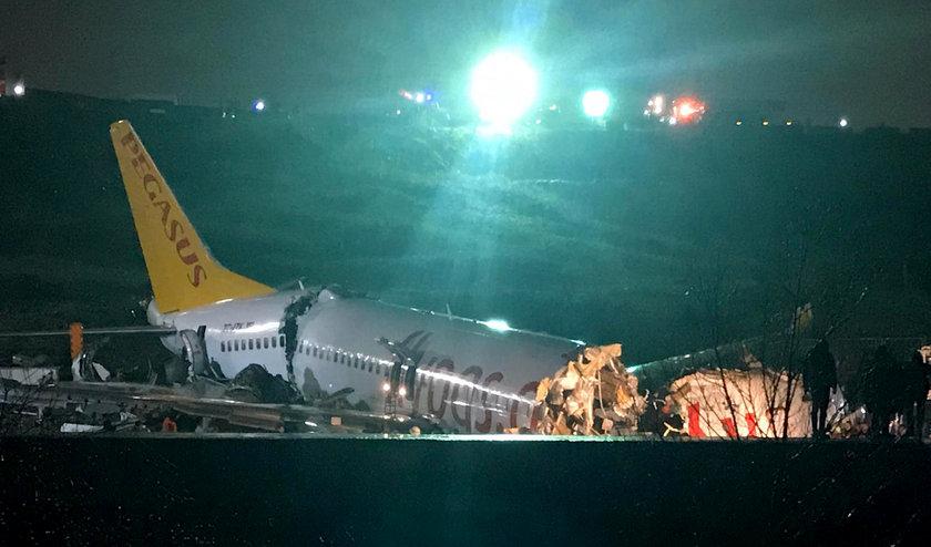 <p>THY Basın Müşaviri Yahya Üstün de uçuş trafiğinin durdurulması nedeniyle 5 Şubat'taki Sabiha Gökçen Havalimanı kalkışlı ve varışlı tüm seferlerin iptal edildiğini vurgulayarak, \
