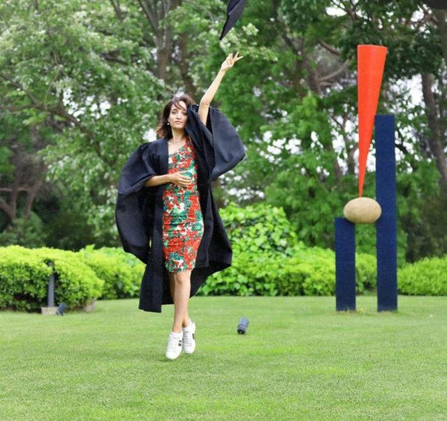 Tapan'ın mezuniyet sevinci...