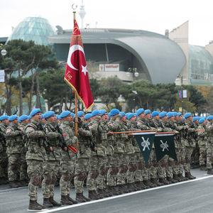 BAKÜ'DE DAĞLIK KARABAĞ ZAFERİ!