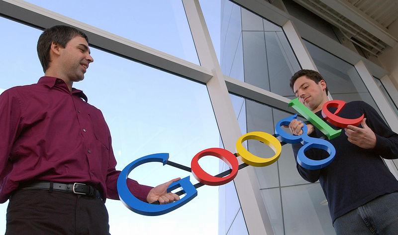 Google kurucuları Larry Page(solda) ve Sergey Brin