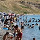Türkiye'de ilk! Denize kıyısı yok ama plajı dolup taşıyor